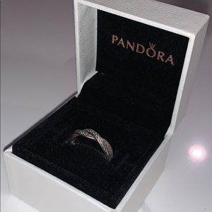 Jewelry - Pandora Sparkling Twisted Lines Ring